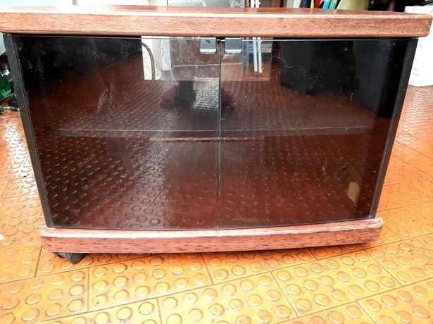 Móvel TV com rodinhas