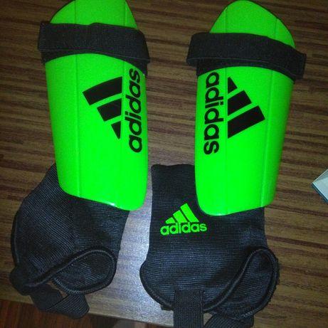 Ochraniacze Adidas do gry w piłkę nożną