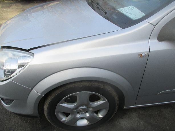 Opel Astra III H błotnik lewy Z176 do założenia