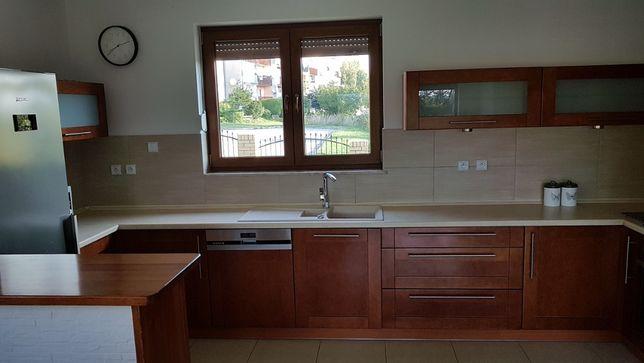 Kuchnia drewniana z wyposażeniem - w bardzo dobrym stanie