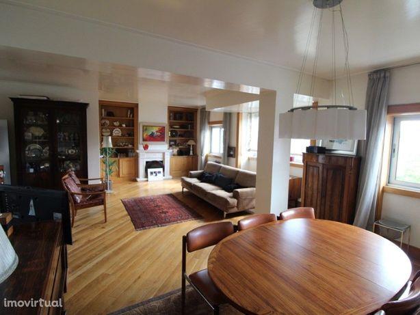 Excelente Apartamento T4 bem localizado zona central da c...