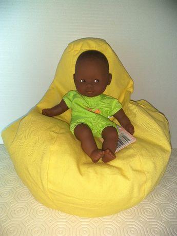 Mini boneca Corolle com pufe