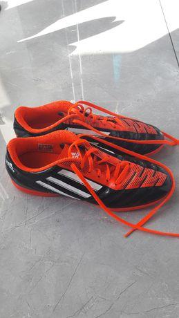 Halówki Adidas Predator r.40