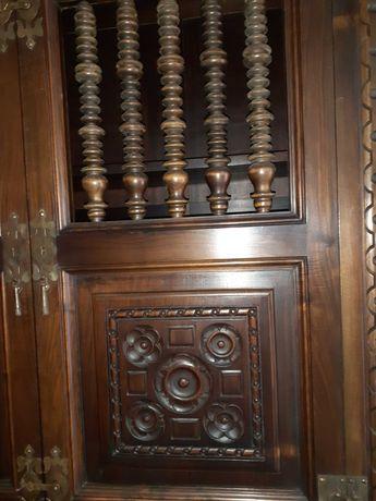 Fantástico móvel louceiro ( em madeira de nogueira americana