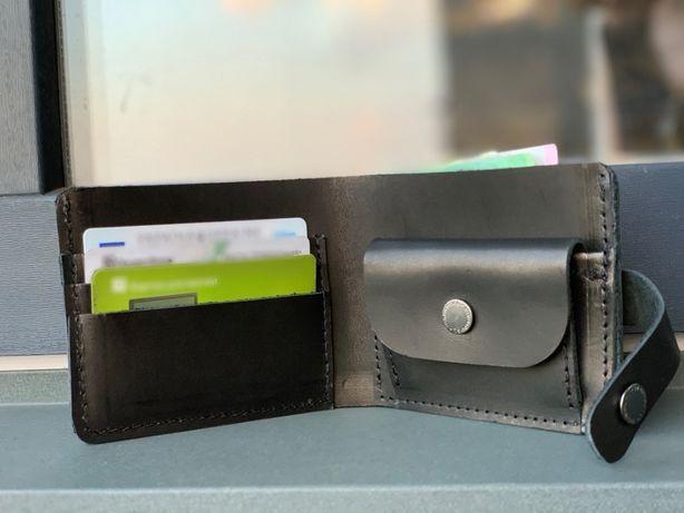 Кожаный кошелёк ручной работы с отделом для мелочи. Мужской кошелёк