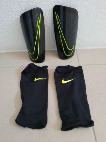 Caneleiras Nike de criança (12 anos)