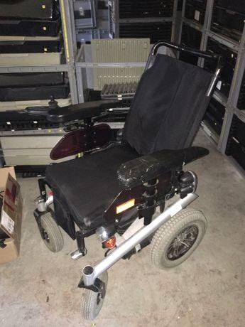 Wozek inwalidzki elektryczny
