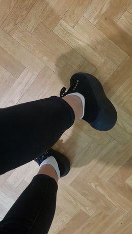 Черные слипоны Chika10 из Испании. 39 размер