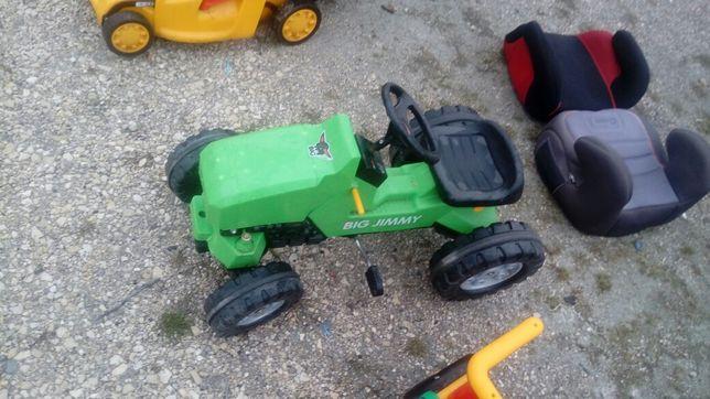 Traktorek na pedalka