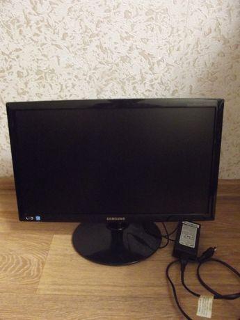 LED монитор Samsung S19B300N