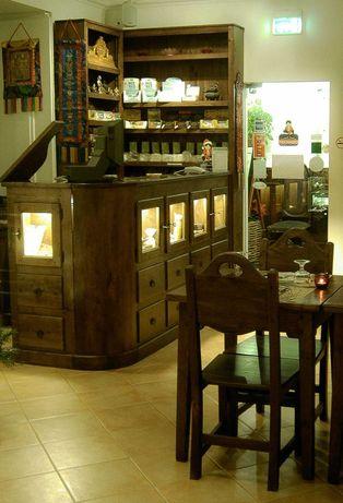 Mobiliário em Madeira Maciça de Castanho. Vários, desde 150€.