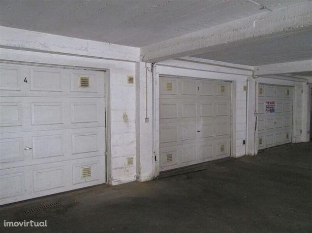 Garagem Individual 21 Fundão