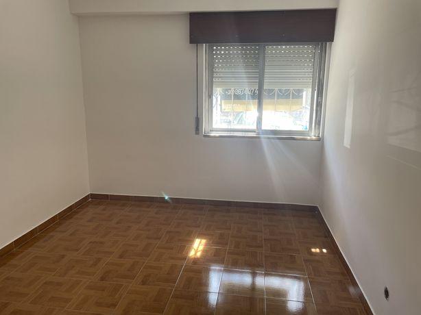 Apartamento T1 + 1 rua dos amieiros, 1
