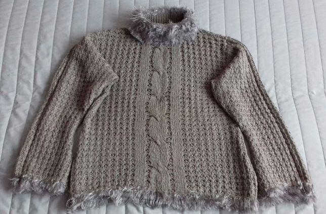 Jasnobrązowy sweter z warkoczem r.XL