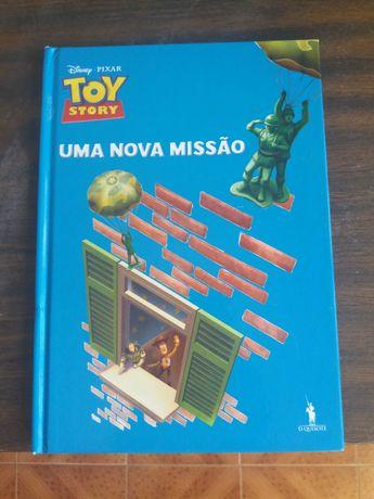 Conjunto de vários livros infantis em ótimo estado.