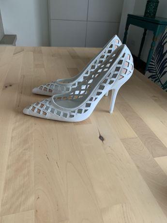 Sapatos em pele studio zara