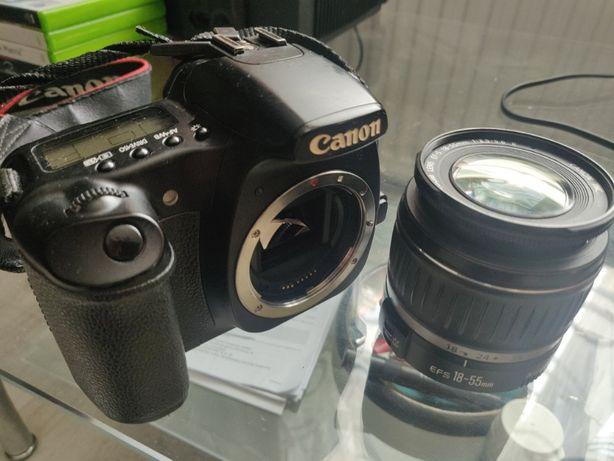 Aparat fotograficzny Canon EOS 30D + obiektyw + ładowarka