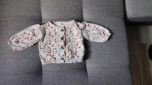 Sweterek w kwiatuszki 56