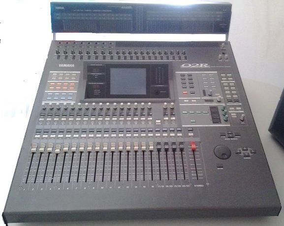 Yamaha 02R V. 2 Digital Mixer Mixing Console wMB02 Peak Meter Bridge