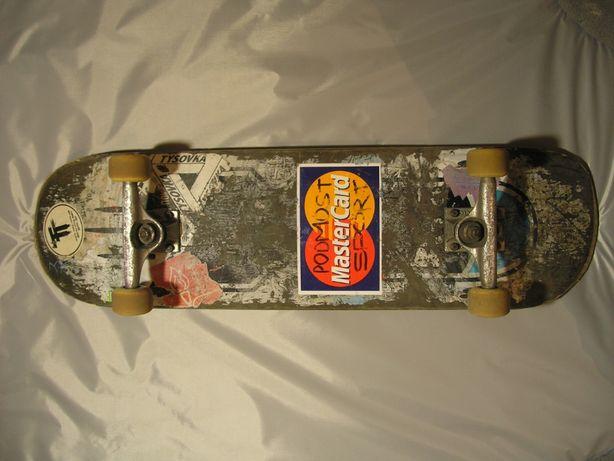 Скейт комплит, Скейтборд