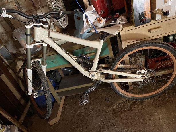 Bicicleta Downill
