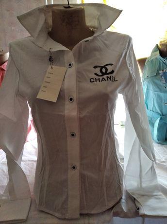 Блузка женская белая стрейч весенняя.