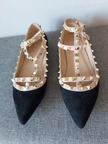 Buty nowe, płaski obcas, Coco Perla, czarne, wypustki beżowe