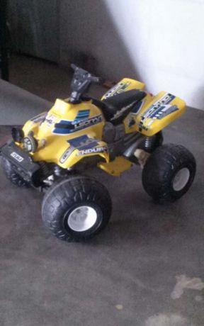 Moto 4 de criança