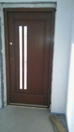 Drzwi drewniane !!