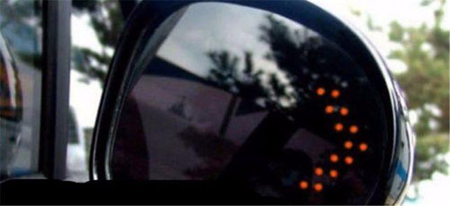 Светодиодный указатель поворота на зеркало