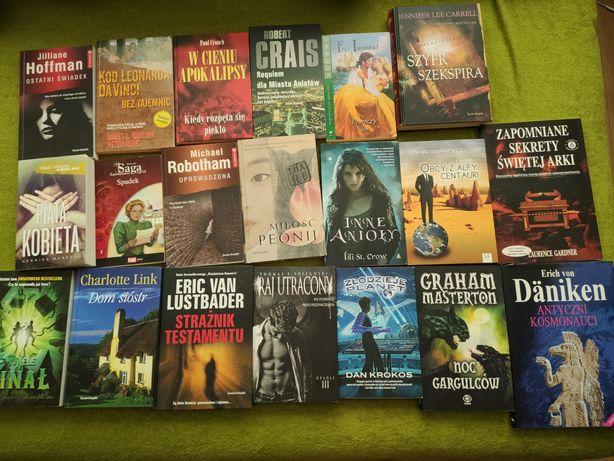 Zbiór książek, różne gatunki