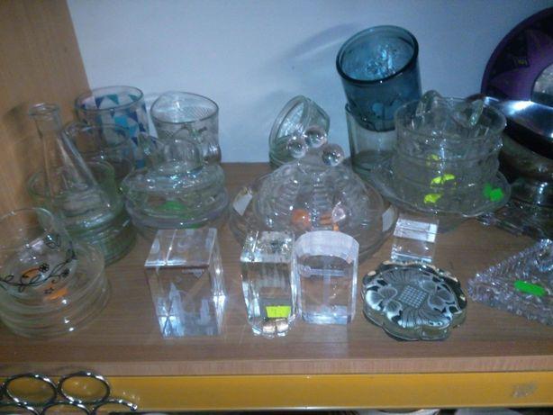 Kieliszki szklanki ozdobne kryształy
