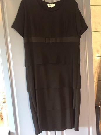 Czarna wyjściowa sukienka