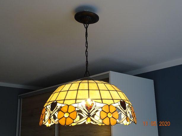 witrażowa lampa wisząca