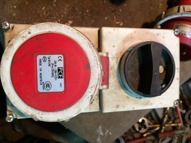 штекерный разъём PCE с выключателем и мех. блокировкой