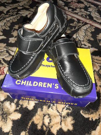 Продам дитячі нові шкіряні туфлі