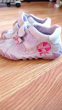 Дитячі кросівки 22