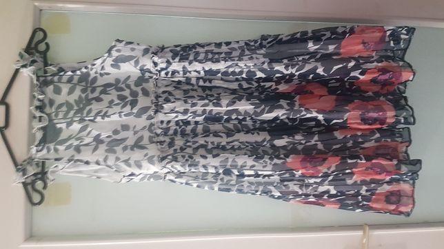 Plisowana w kwiaty sukienka s/m
