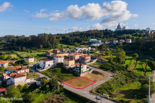 Terreno com 480 m2 em Espinho, Braga