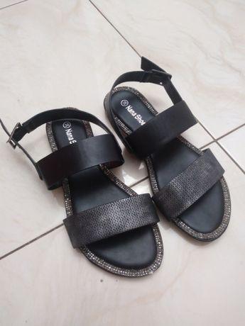 Nowe sandalki
