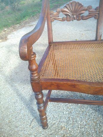 Canapé com 200 anos restaurado