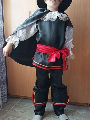 Карнавальный костюм Зорро. Принц. Паж.Кот в сапогах на 5-6 лет
