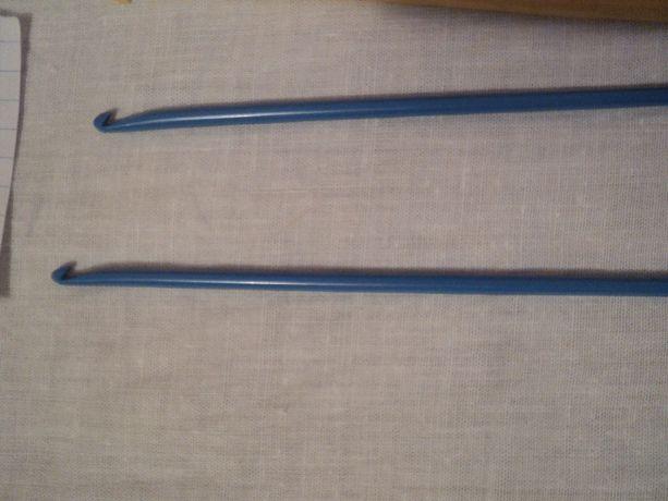 пластмассовый крючок для вязания