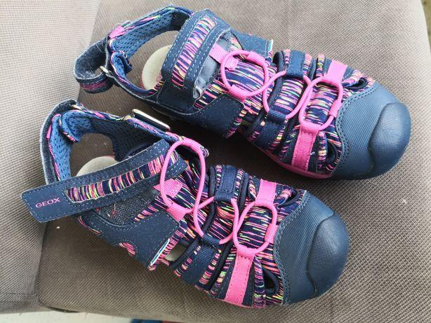 Летние спортивные сандали