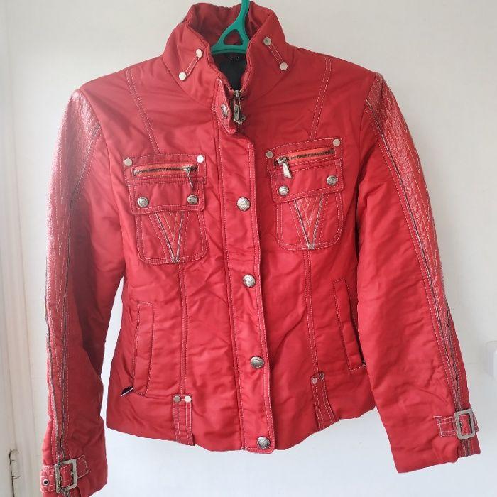 Куртка осенняя - весенняя (красная), размер RU 46, 250руб. Алчевск - изображение 1