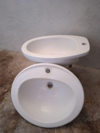 Louças de casa de banho ( Bidé, Lavatório e pedra mármore)