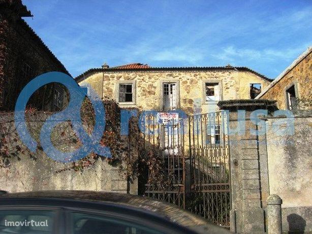 Quinta c/ Moradia T6 em Arcozelo, Vila Nova de Gaia, Excelentes condiç