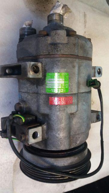 Sprężarka klimatyzacji Passat b5 AUDI