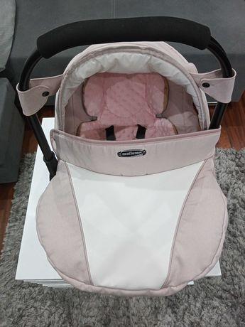 Fotelik samochodowy niemowlęcy