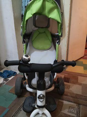Продам велосипед, коляска трость, детская лошадка